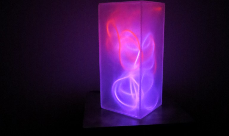 lampe-plexiglass-neons-rose-rouge-4