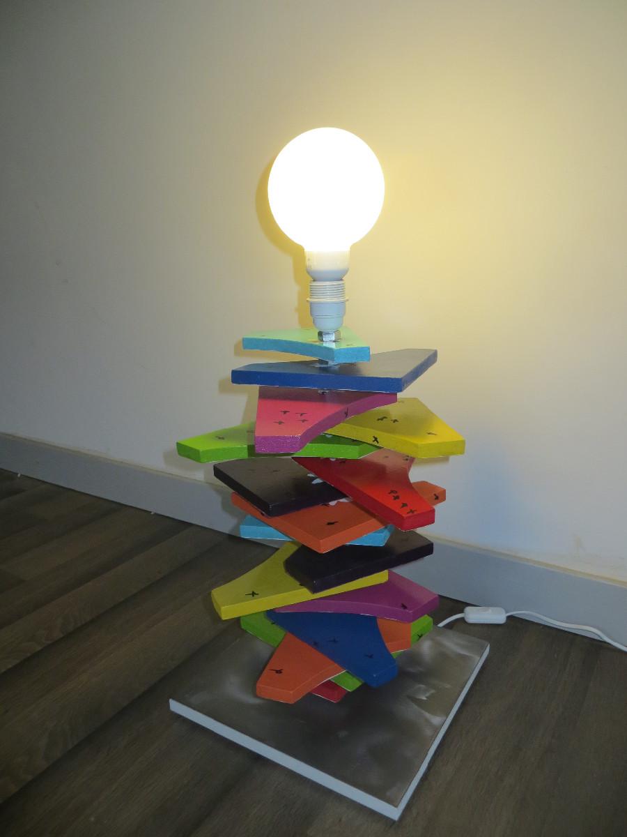 lampe strat multicolore artacier. Black Bedroom Furniture Sets. Home Design Ideas