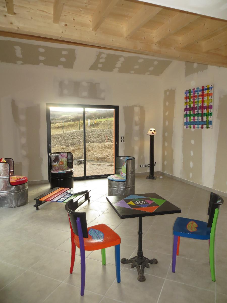 meubler la maison d 39 une agence immobili re pour des visites group es artacier. Black Bedroom Furniture Sets. Home Design Ideas